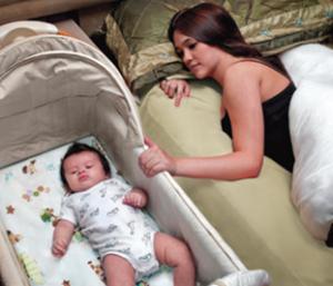 Как обеспечить безопасность сна в кроватке